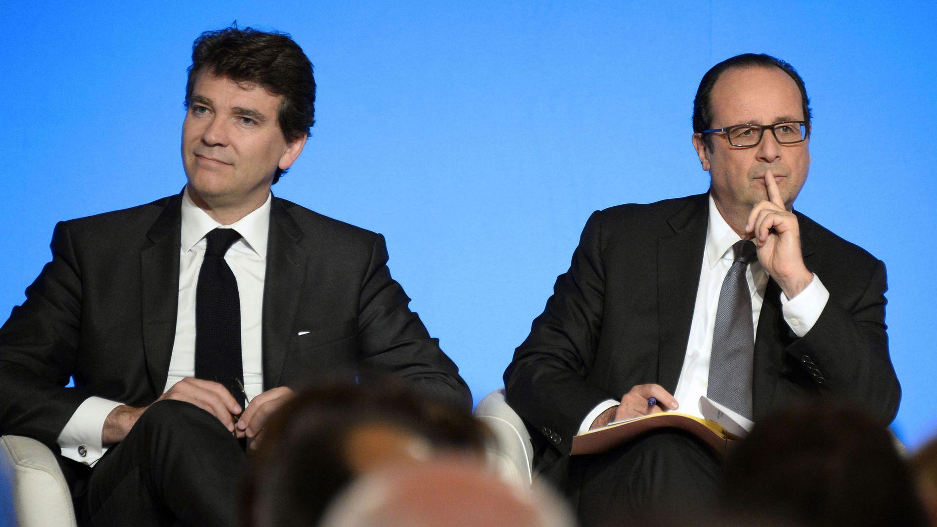 ØKONOMIMINISTEREN: Arnaud Montebourg (t.v.) krysset ifølge statsministeren en linje med sine uttalelser i helga. Her sammen med president Francois Hollande (t.h.) i juli.