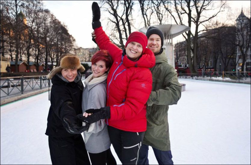 c1c6d305 «YTE, SÅ NYTE»: Gro Møllerstad (52) sammen med med vennene Bjørn Wettre  Holthe (t.v), kunstløp-instruktør Marianne Fjørtoft og Mats Brattlie (t.h)  på ...