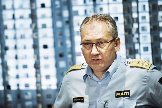 KRITISK: Politidirektør Odd Reidar Humlegård mener pressen har opptrådt kritikkverdig ved å omtale våpenpraksisen til norsk politi.Foto: FRODE HANSEN/VG