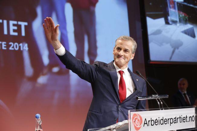 Jonas Gahr Støre ble valgt til ny leder i Arbeiderpartiet etter Jens Stoltenberg i Folkets Hus i Oslo lørdag.