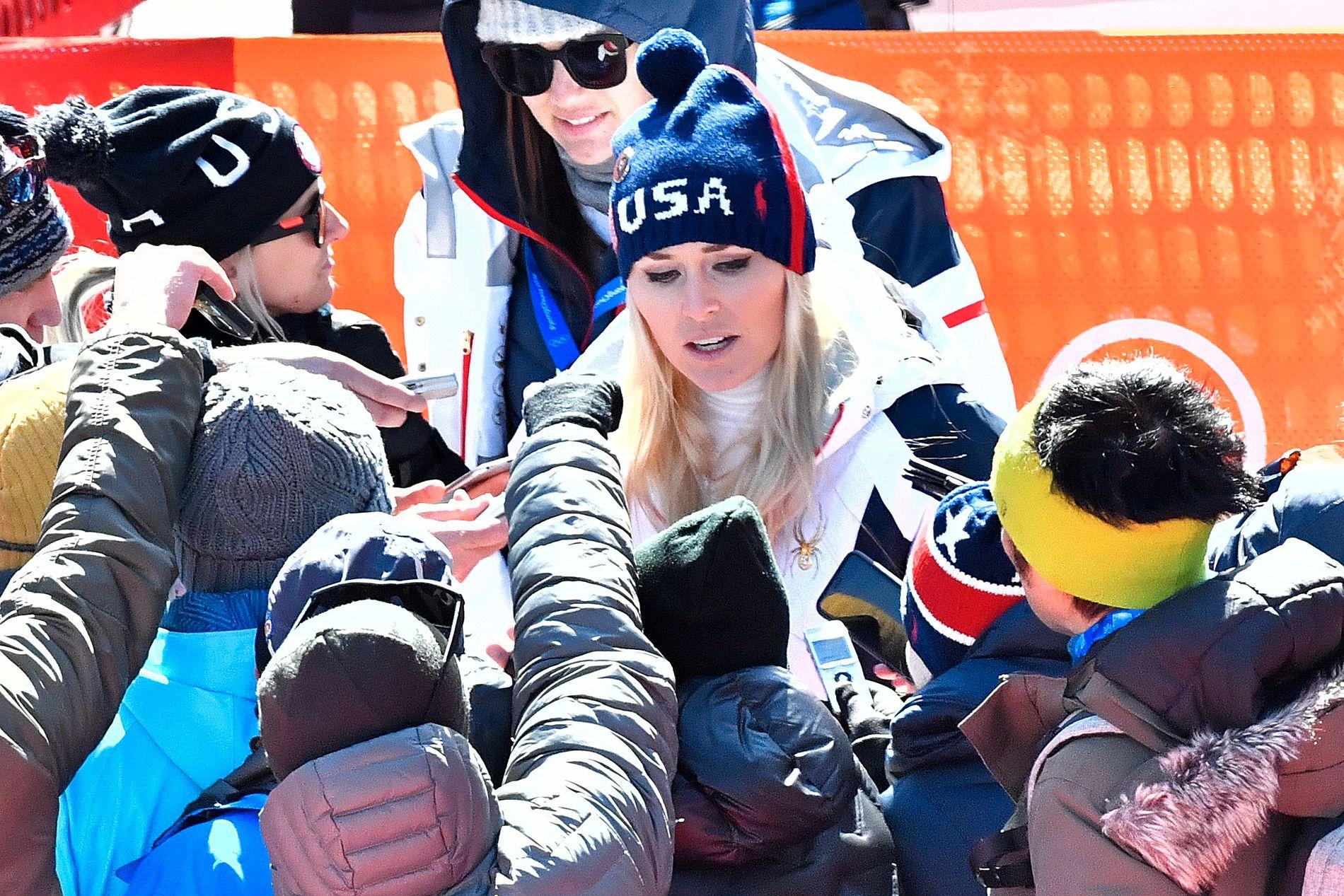 FORKLARTE: Lindsey Vonn måtte forklare hvorfor hun ikke kom på seierspallen i super-G i OL.