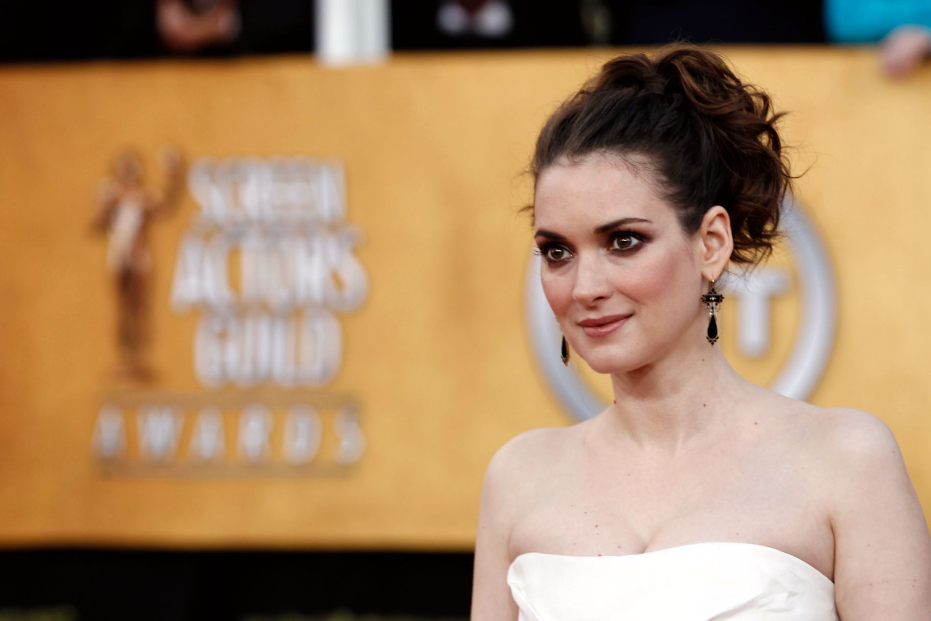 BLITT VOKSEN: Winona Ryder ankommer Screen Actors Guild Awards i Los Angeles i 2011. Foto: AP/Matt Sayles)