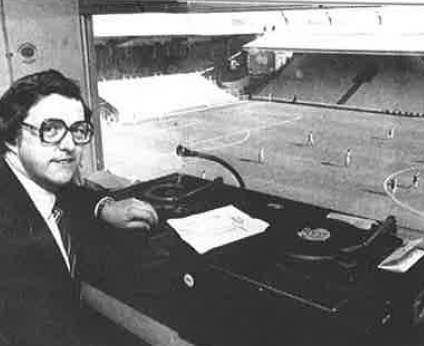 PÅ JOBB: George Sephton på jobb på Anfield på 1970-tallet.