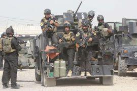 TØFF OPPGAVE: Irakiske regjeringsstyrker kjemper mot opprørerne fra ISIL. Her ser vi en patrulje ved Jurf al-Sakhar, rett sør av hovedstaden Bagdad.
