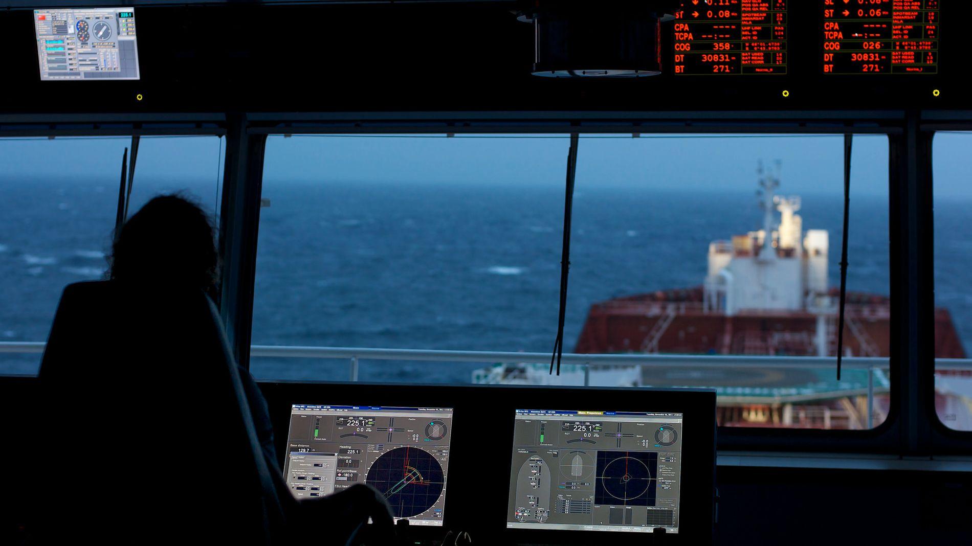 FÅ LEVERANSER: Kongsberg Maritime leverer avanserte navigasjons- og styringssystemer til shipping og offshoremarkedet. Oppbremsingen i bestillinger av nye skip gjør situasjonen tøff for selskapet.