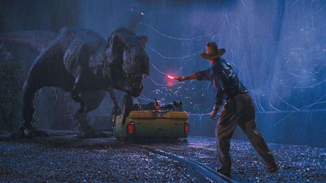 BITER FRA SEG: Den første «Jurassic Park»-filmen kom ut i 1993. Siden den gang har det kommet to oppfølgere. Fredag har den fjerde filmen i rekken premiere verden over.