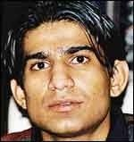 DREPT: Zia Anwar (28) Foto: Privat