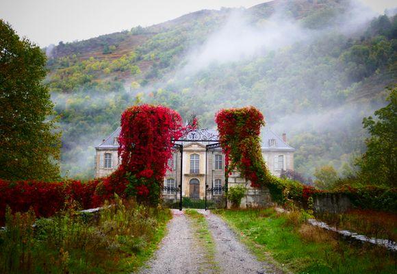 Du kan bo på dette franske, storslåtte slottet i sommer