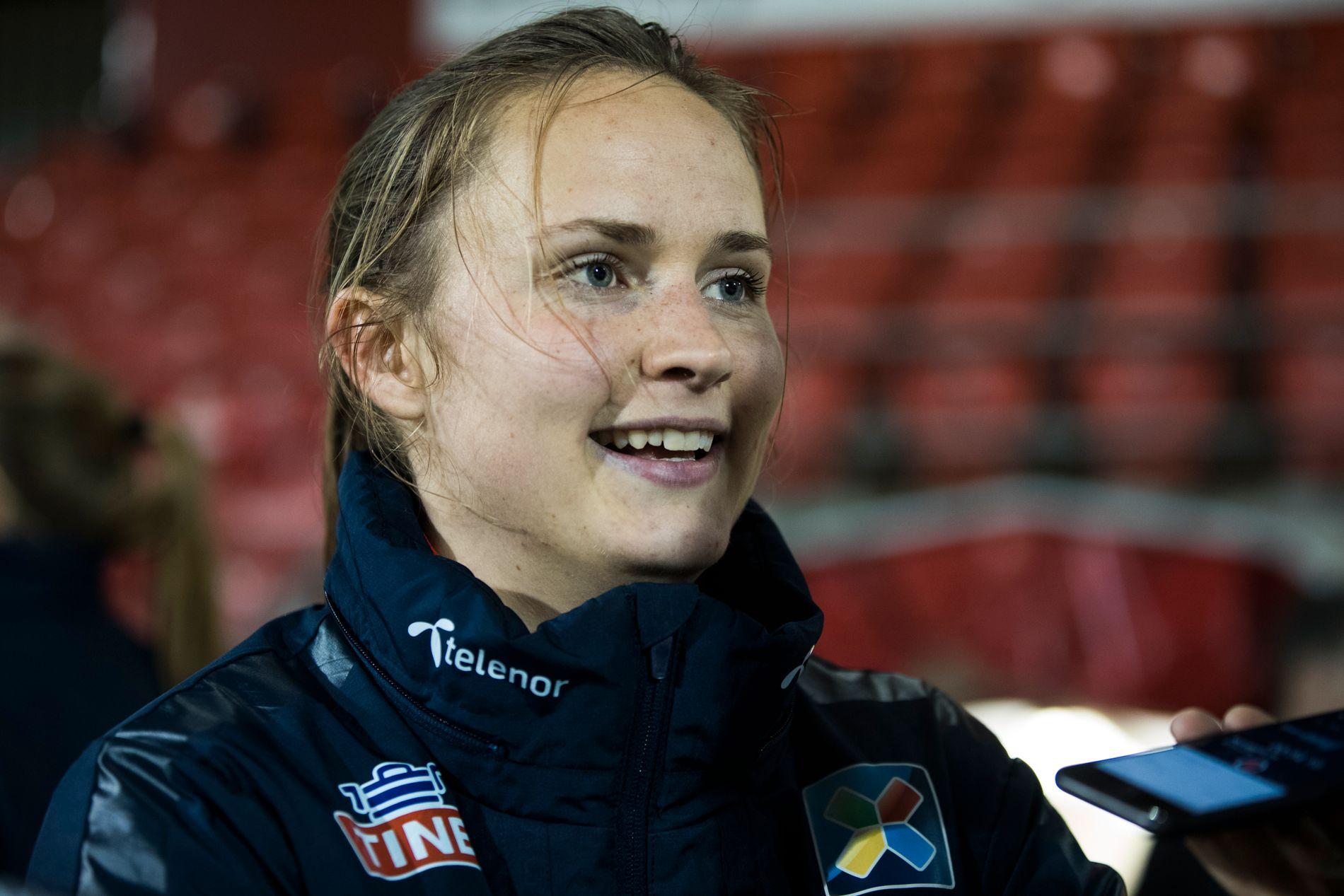 LYKKE: Caroline Graham Hansen og Wolfsburg er i Champions League-finale. Her er profilen fra en landslagssamling.