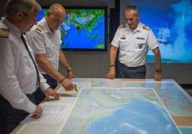 Til enhver tid jobber det norske offiserer i staber på ulike militære hovedkvarter verden rundt. Det kan bli et aktuelt norsk bidrag i kampen mot IS.