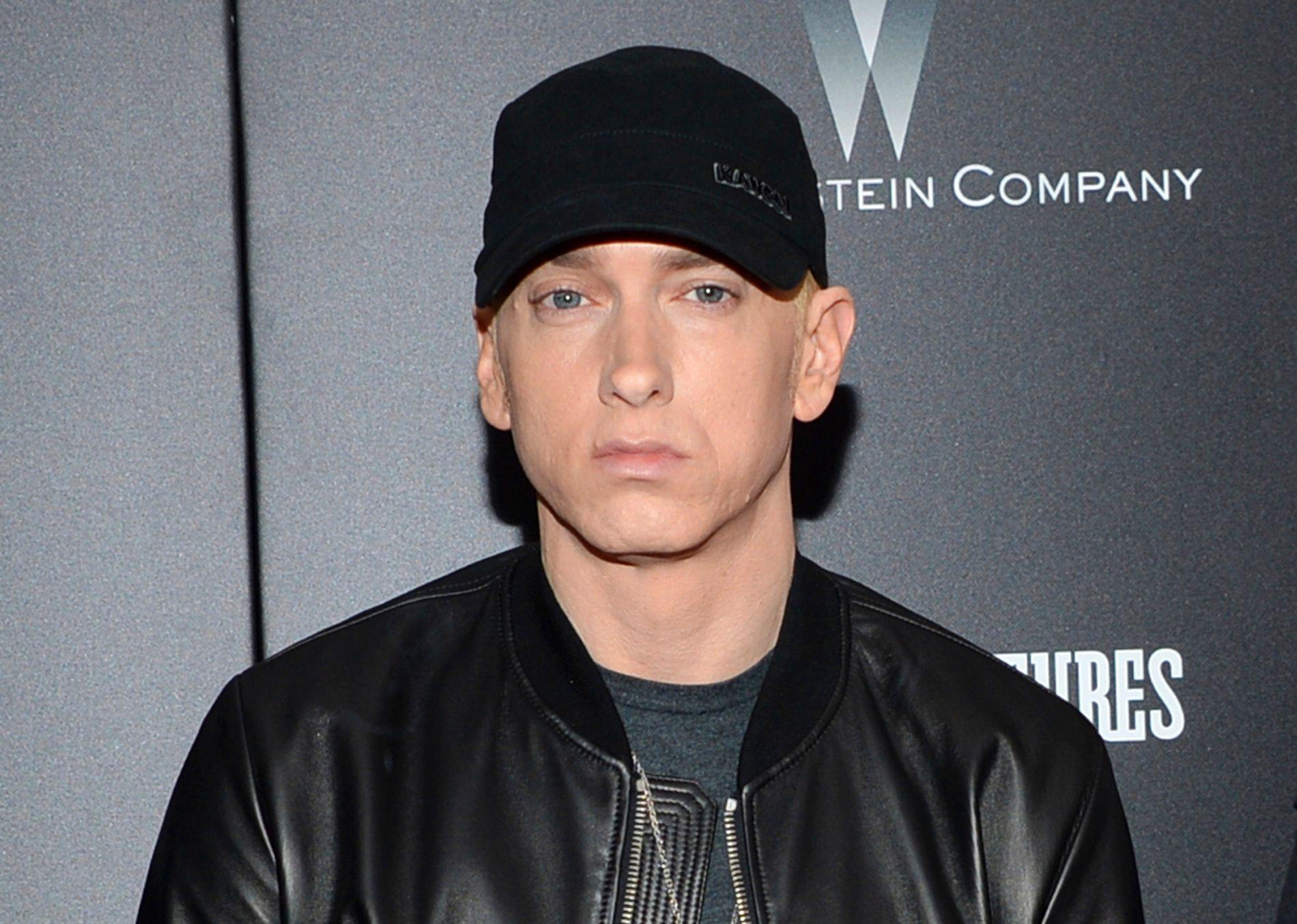 HELOMVENDING: Eminem er ferdig med alkohol, piller og annen dop. Her på en premiere i L.A. i fjor.