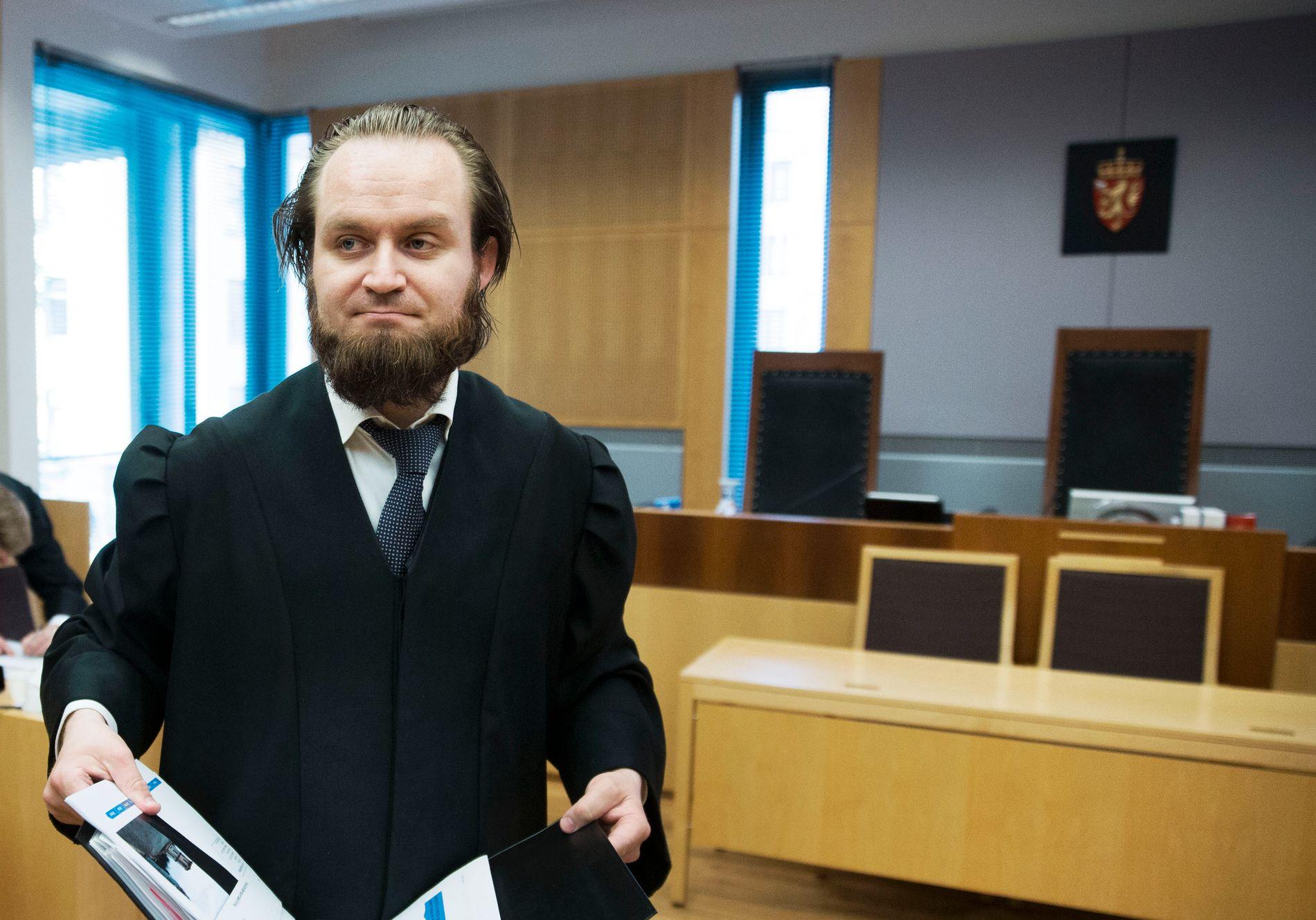 TILFREDS: Advokat Nils Christian Nordhus er oppnevnt som forsvarer for den etterlyste franskmannen. Nordhus mener det er fortjent at klienten endelig kan få tilbake friheten.