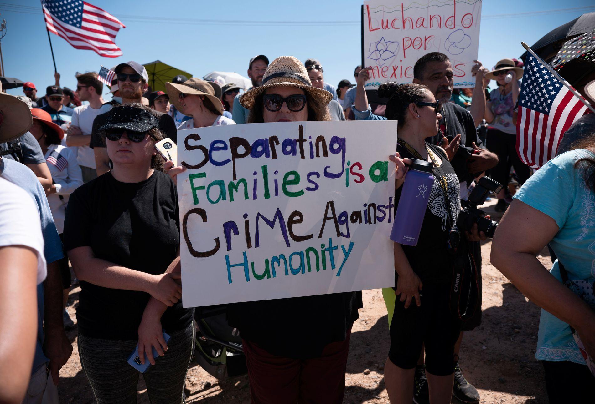 PROTEST: Trump-administrasjonens nulltoleransepolitikk har resultert iflere  demonstrasjoner i grensestaten Texas.
