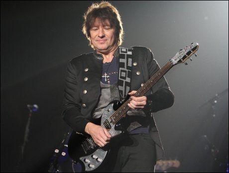 RASER: Richie Sambora hevder at han er blitt urettferdig behandlet av frontfigur Jon Bon Jovi. Foto: PA Photos