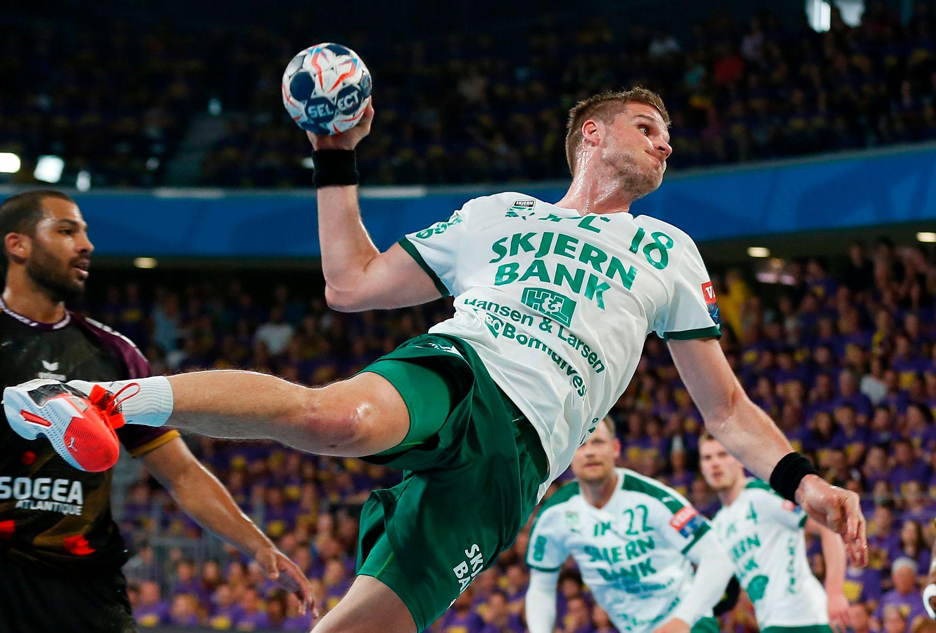 DANSK MESTER: Bjarte Myrhol vant det danske mesterskapet sammen med Eivind Tangen og Skjern. Bildet er fra Champions League-møtet med Nantes tidligere i sesongen.