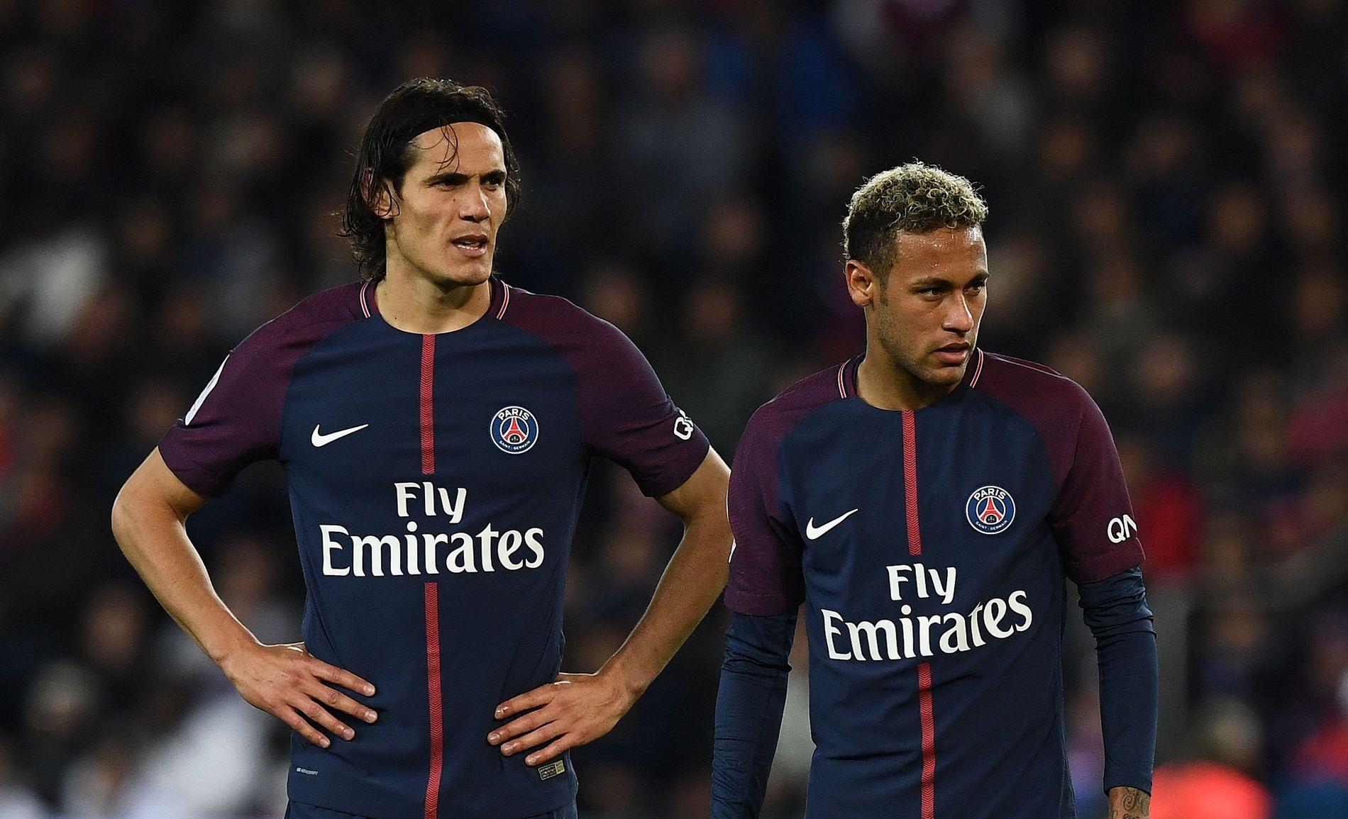 KRANGLET OM STRAFFE: Neymar prøvde å overtale Edinson Cavani om å la ham skyte straffe mot Lyon. Det har skapt reaksjoner.