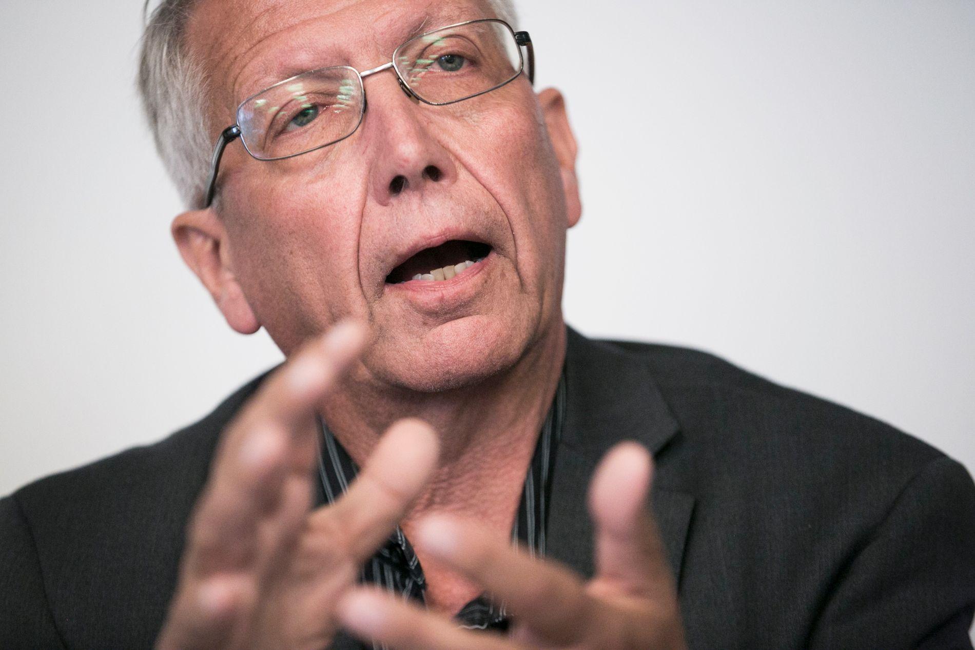 TEKNOLOGI ER LØSNINGEN: Direktør i Vegvesenet, Terje Moe Gustavsen, mener teknologi vil redde liv på veiene.