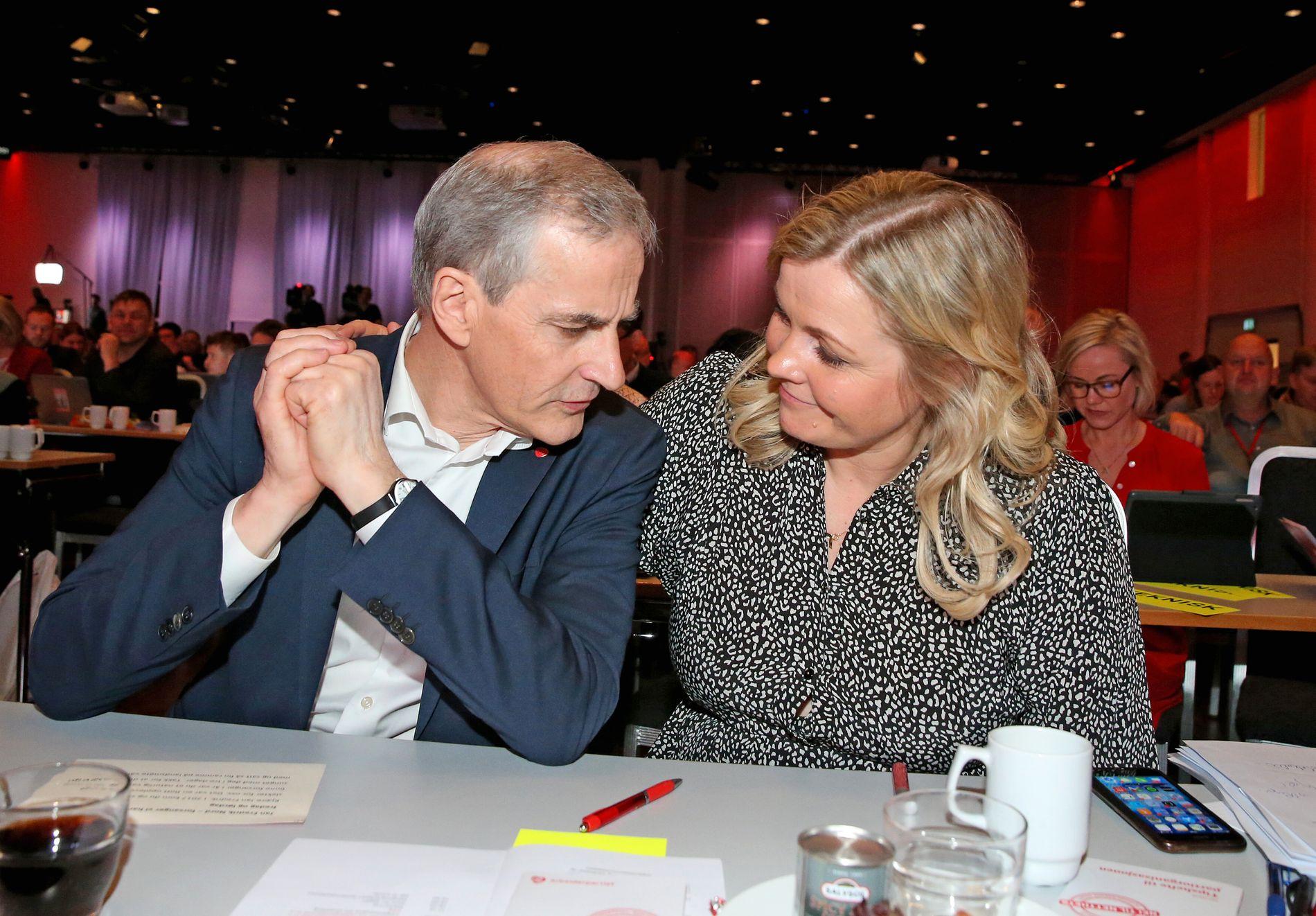 ENIGE OM VEIEN VIDERE: Partileder Jonas Gahr Støre og partisekretær Kjersti Stenseng har lagt en plan for hvordan partiet skal komme videre etter valgnederlaget.