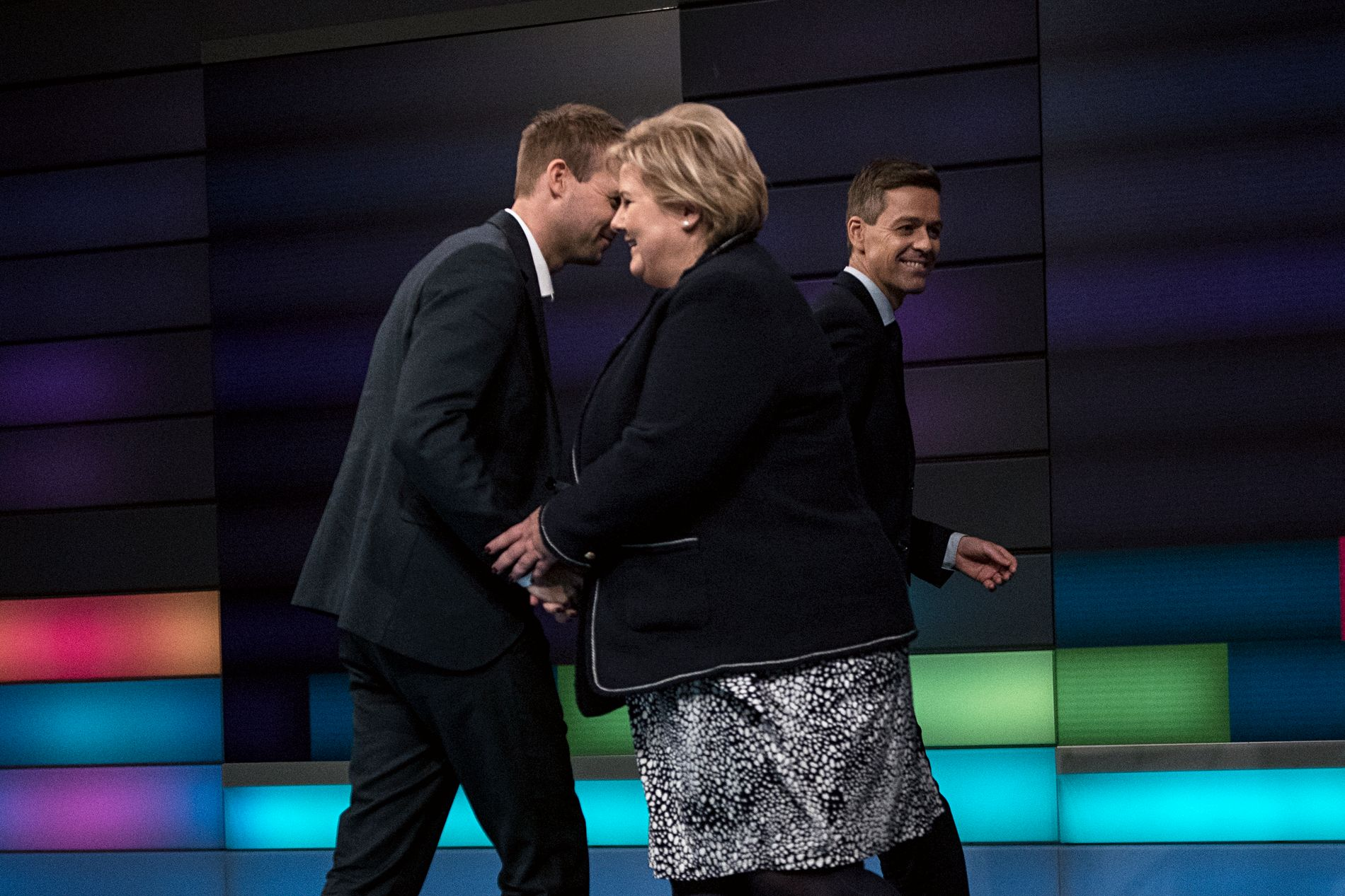 HYSJ, HYSJ: Prime Minister Erna Solberg gives a hug to Deputy Kjell Ingolf Ropstad, who welcomes the studio for the program
