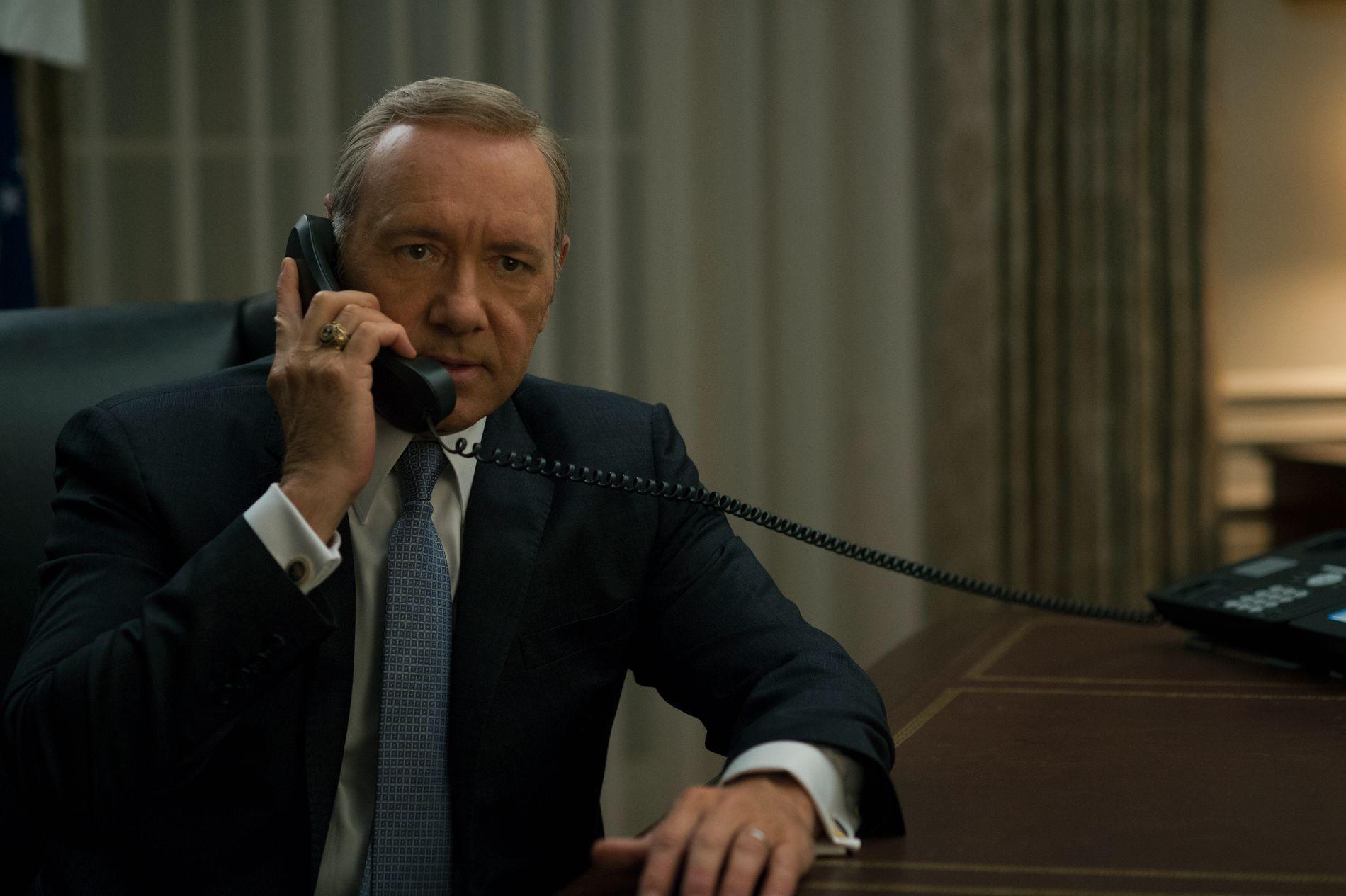 STANSES: Innspillingen av sjette sesong av «House of Cards» stanses inntil videre. Her skuespiller Kevin Spacey i rollen som Frank Underwood.
