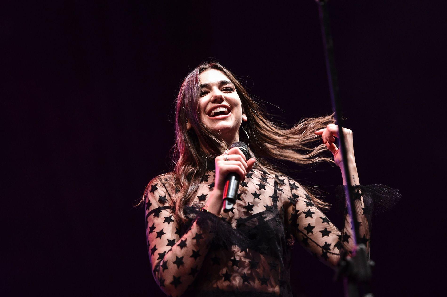 POPKOMET: Dua Lipa spilte på Stavernfestivalen torsdag.  Dette er fra en konsert i 2016