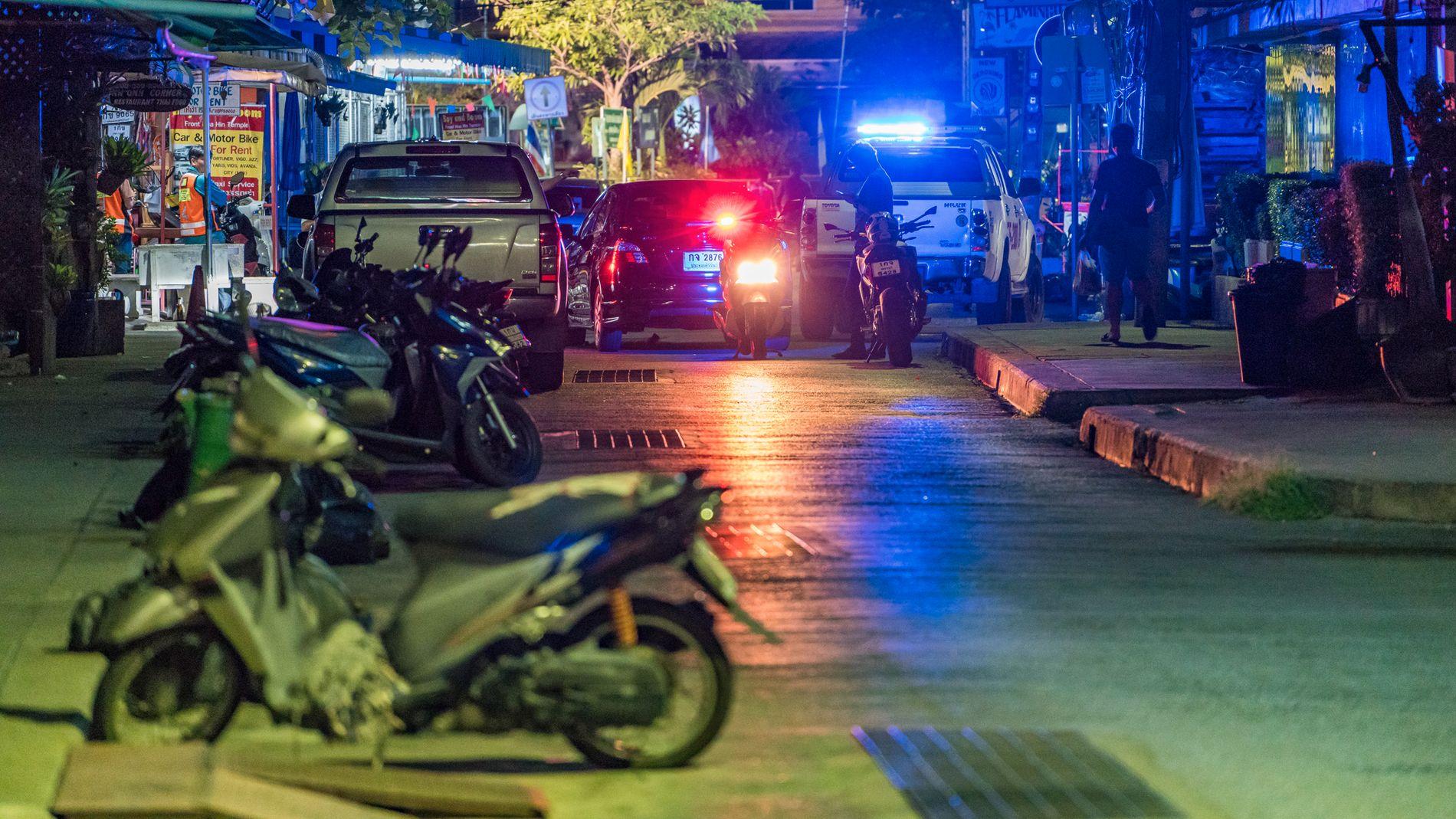 TETT PÅ: Geir Srisoi (49) og kona var bare noen få meter unna der bombene gikk av i Hua Hin i Thailand. Minst én er drept.