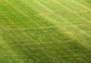 DERFOR POENGTREKK: Før EM-kvalikkampen mot Italia ble det laget et stort hakekors på gressmatten på arenaen i Split.