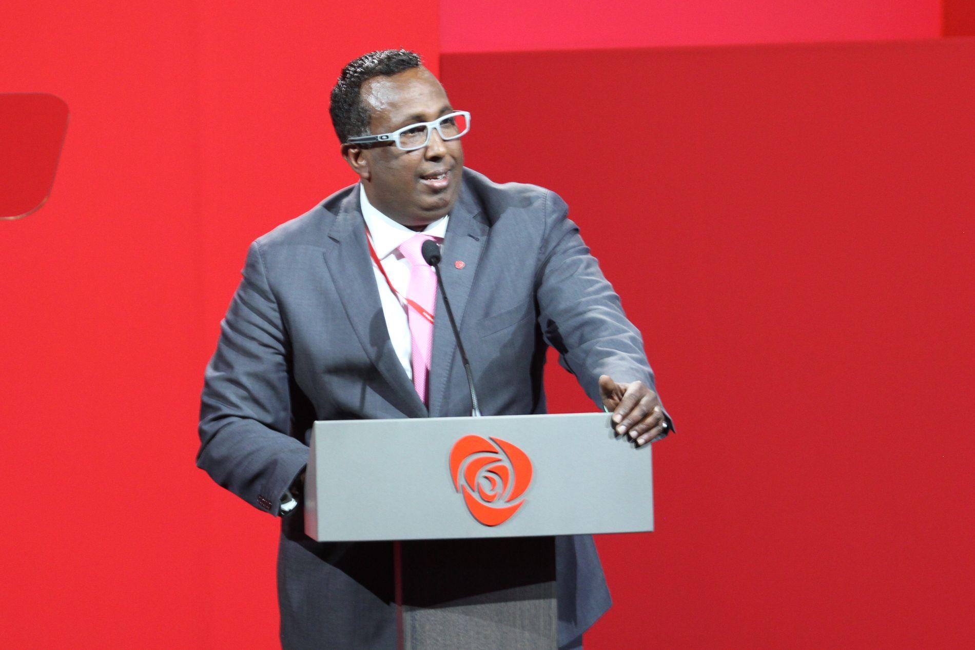 KRITISK: Abdullahi Mohamed Alason har sittet i bystyret i Kristiansand i mange år og jobber som seniorrådgiver i Integrerings- og mangfoldsdirektoratet.