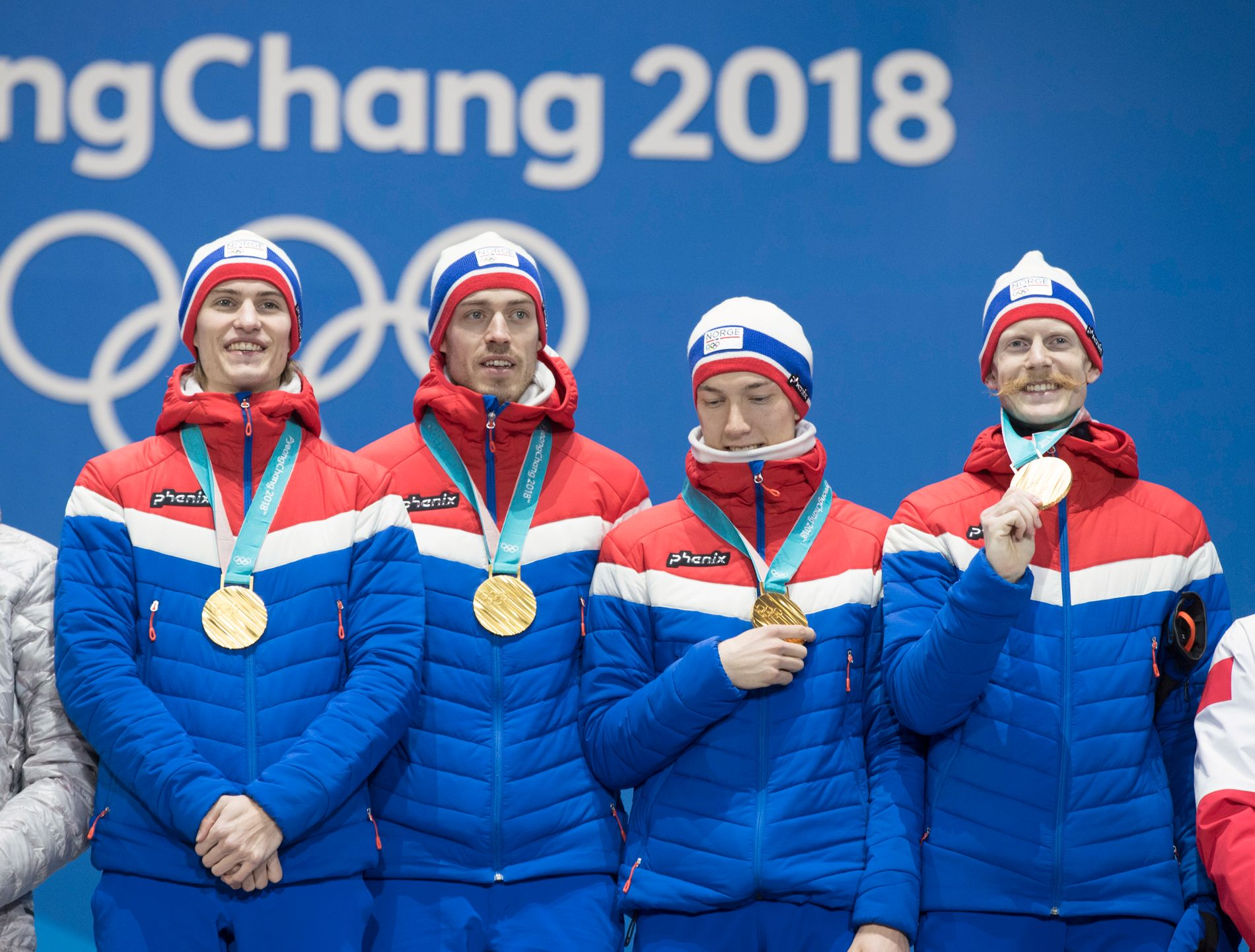GULLGUTTA: Denne gjengen, som tok gull under OL i Pyeongchang, gjorde kort prosess i lagkonkurransen i Planica. Fra venstre: Daniel Andre Tande, Andreas Stjernen, Johann André Forfang, Robert Johansson.
