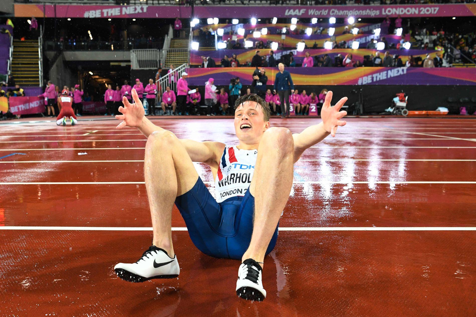 HISTORISK GULL: Karsten Warholm knuste alle - og vant VM-gull på 400 meter hekk i London.