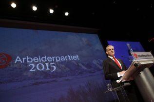 FØRSTE TALE: Ap-leder Jonas Gahr Støre på talerstolen under åpningen av landsmøtet i Arbeiderpartiet torsdag.