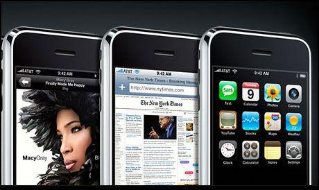 NY VERSJON: Apples mobiltelefon iPhone er på vei i ny versjon, forteller AT&T-toppen de la Vega. Foto: Skjermbilde