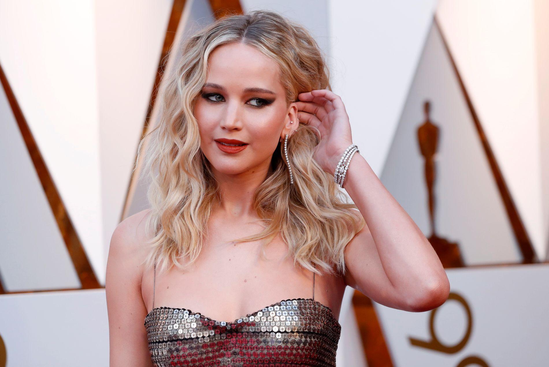 GIFTER SEG: Skuespilleren Jennifer Lawrence er klar for bryllup med kjæresten Cooke Maroney.