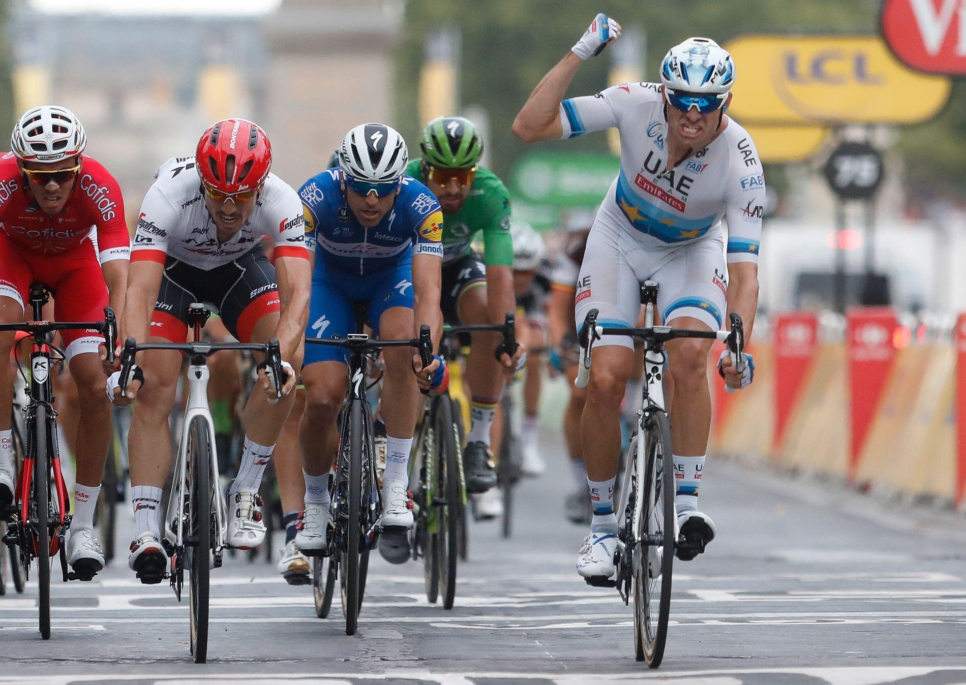 ENDELIG: Etter en lang hard Tour klarte endelig Alexander Kristoff å krysse målstreken først, på den gjeveste etappen av de alle.
