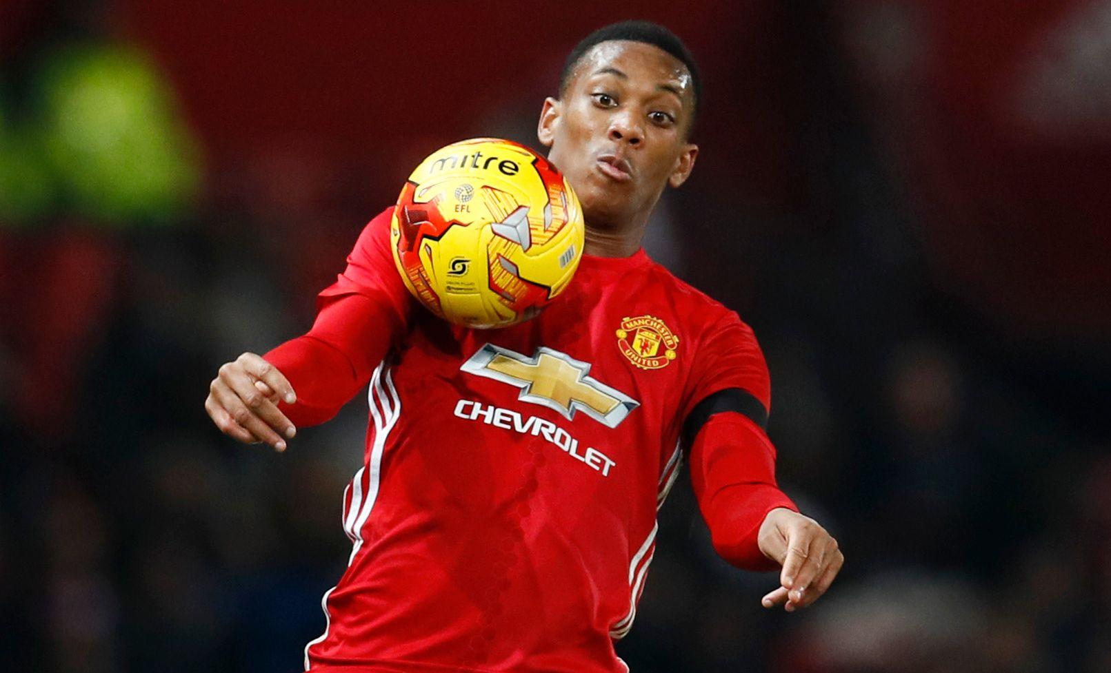 DYR MANN: En rekke klausuler kan få Anthony Martials overgangssum til å vokse og vokse og vokse. Her mot West Ham i november.