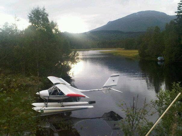 STYRTET: Mikroflyet som var savnet ble funnet like før klokken 01.00 natt til onsdag. To personer omkom i ulykken. Bildet er fra en tidligere anledning.