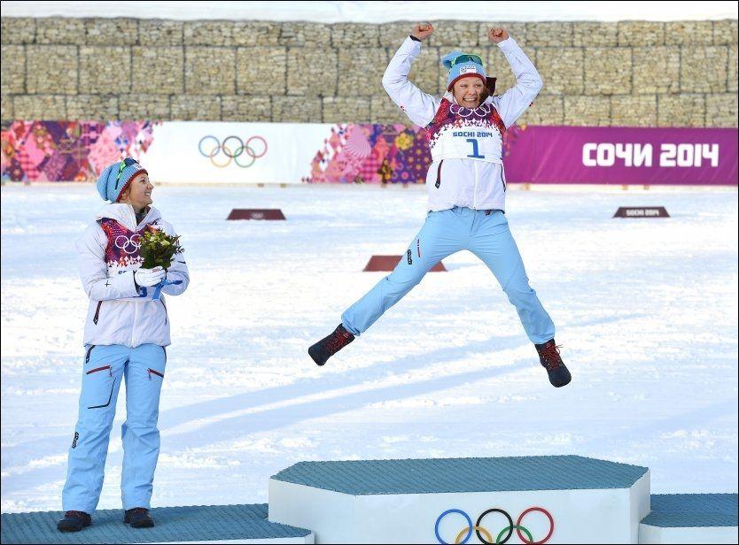 VRAKET: Maiken Caspersen Falla ble olympisk mester på sprinten forrige tirsdag. Hun får ikke gå teamsprinten onsdag, det får derimot sølvvinner Ingvild Flugstad Østberg (t.v.). Foto: BJØRN S. DELEBEKK