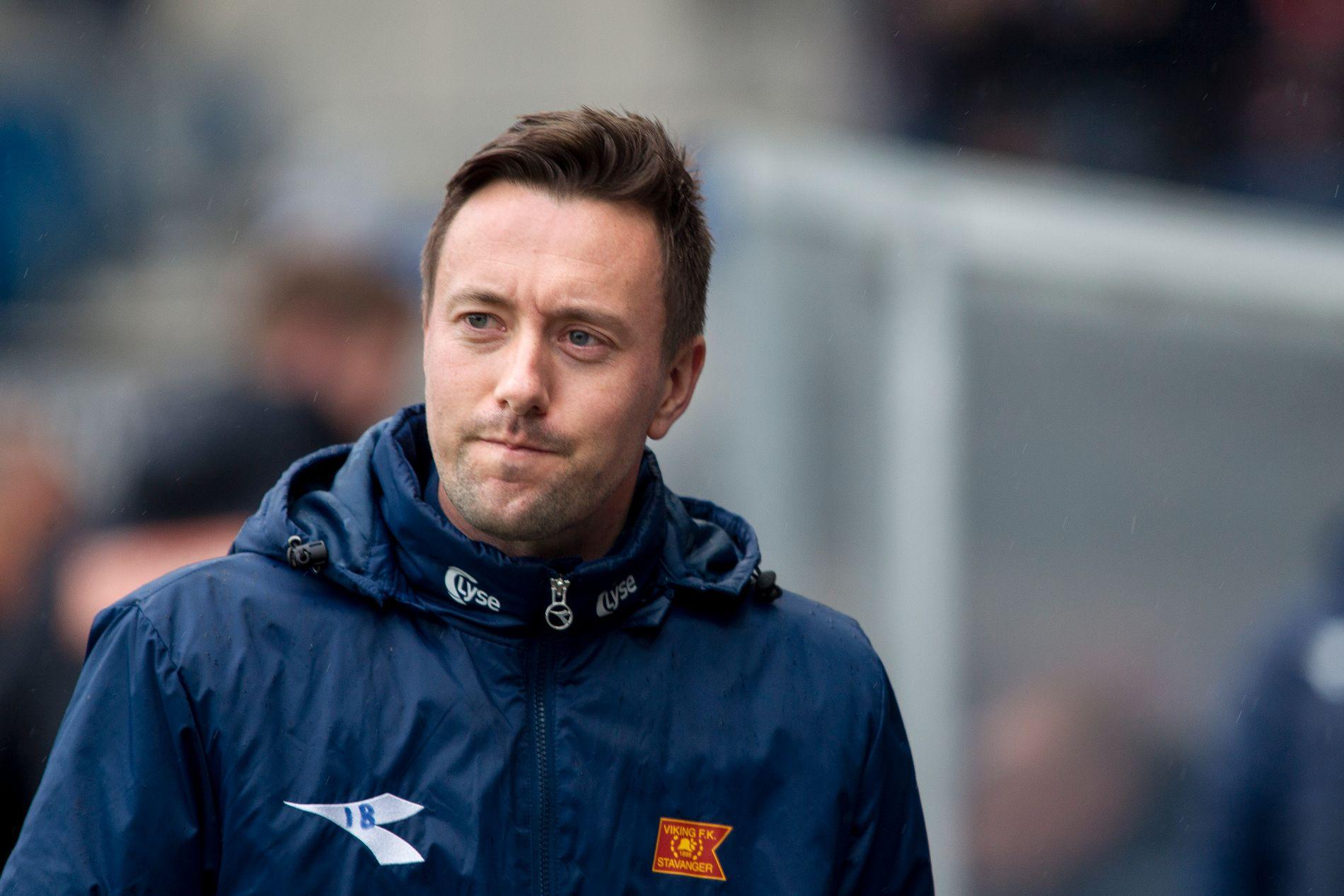 DELER ØNSKELISTEN: Viking-sjef Ian Burchnall vil hente fem-seks nye spillere til klubben i løpet av sommeren. FOTO: NTB scanpix