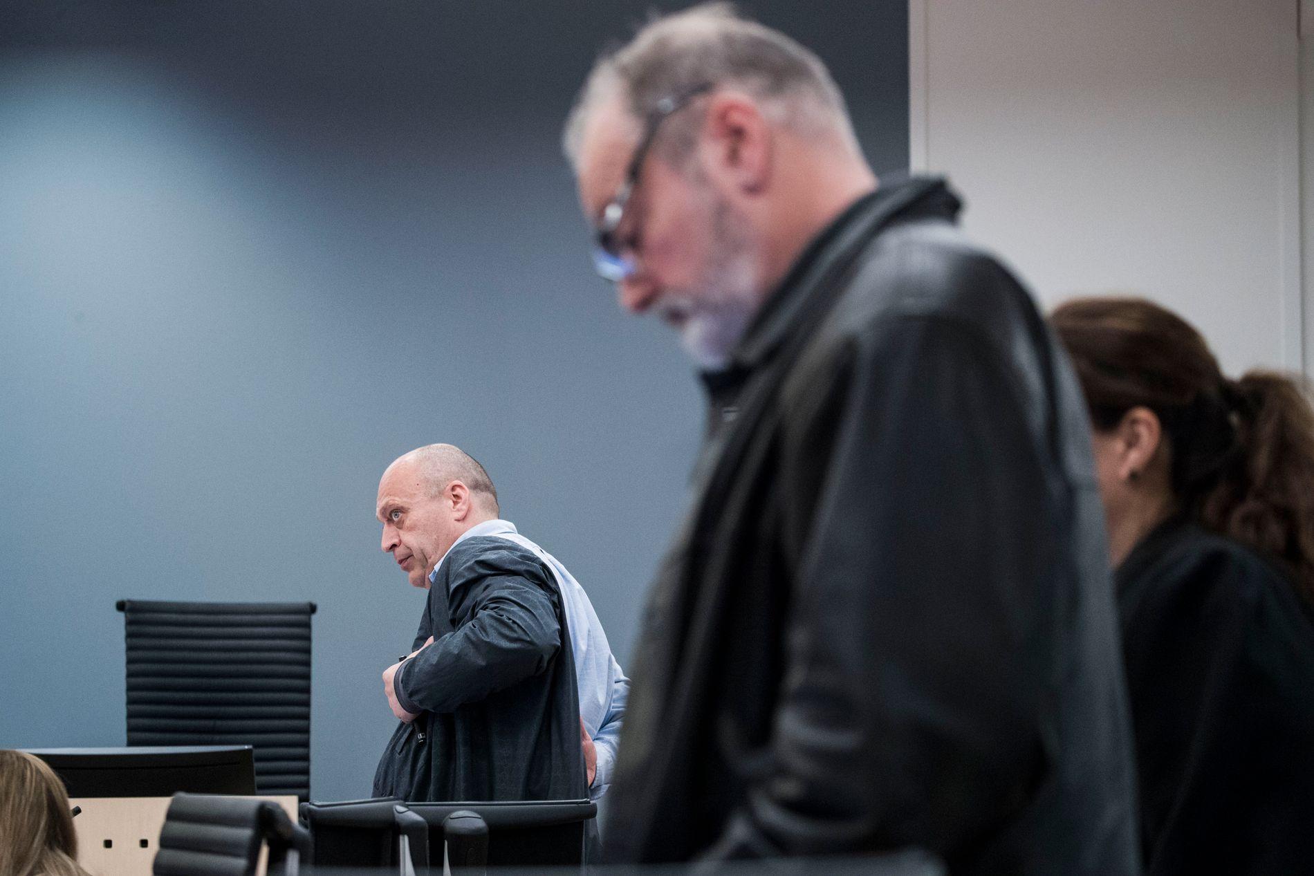 MØTES IGJEN: Her er Eirik Jensen (til høyre) og Gjermund Cappelen avbildet under første rettsdag i Oslo tingrett. Til høsten møtes de på ny i Borgarting lagmannsrett.