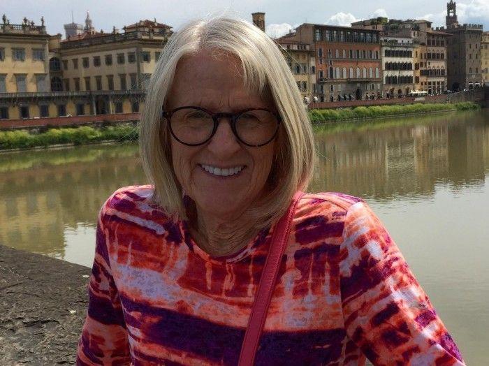 DREPT: Det var den 64 år gamle amerikanske Darlene Horton som ble drept under knivangrepet på åpen gate i London onsdag kveld. Hun skulle etter planen reise hjem til USA torsdag etter å ha vært i London hele sommeren.
