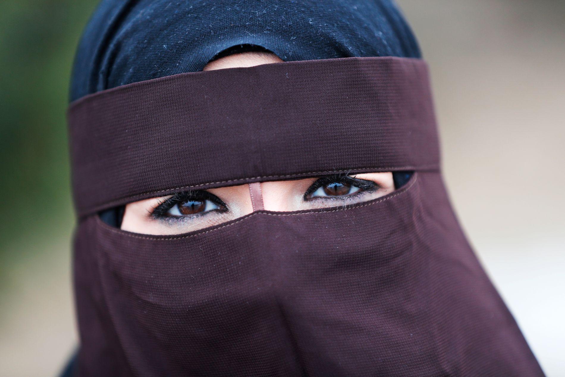NASJONALT FORBUD: Fem dager etter at Danmark innførte forbud mot å bære burka og nikab i offentlige rom, vedtok Stortinget forbud mot plaggene i undervisningssituasjoner.