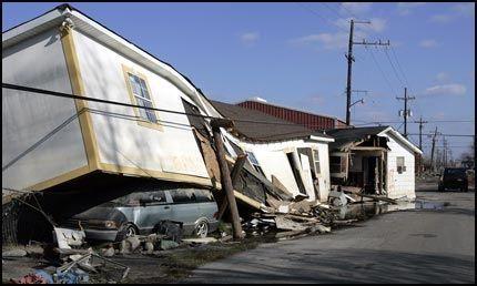 STORE ØDELEGGELSER: Orkanen «Katrina» gjorde enorme ødeleggelser i New Orleans og kostet 1.300 mennesker livet. Foto: AP
