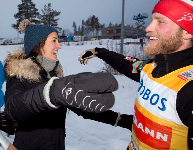 VENTER BARN: Martin Johnsrud Sundby og kona Marieke Heggeland, her etter minitour-seieren på Birkebeineren Skistadion på Lillehammer i fjor, venter barn.
