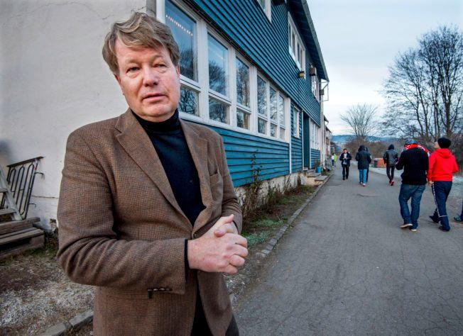 JOBBER PÅ SPRENG: Assisterende direktør i Integrerings- og mangfoldsdirektoratet (Imdi), Bjørn Holden, utenfor Torshov transmittmottak for enslige mindreårige asylsøkere i Oslo. Han har ansvaret for å bosette 16- og 17-åringene som får opphold i Norge.