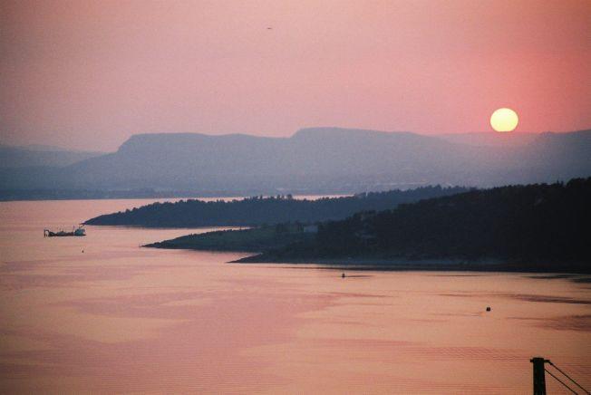 FRI: – I skrivende stund sitter jeg i Italia med noe godt å drikke, og solnedgangen farger glasset rosa. Det kunne med andre ord ha vært et perfekt Facebook-øyeblikk som jeg nå ikke får delt med noen andre enn dem jeg er sammen med.