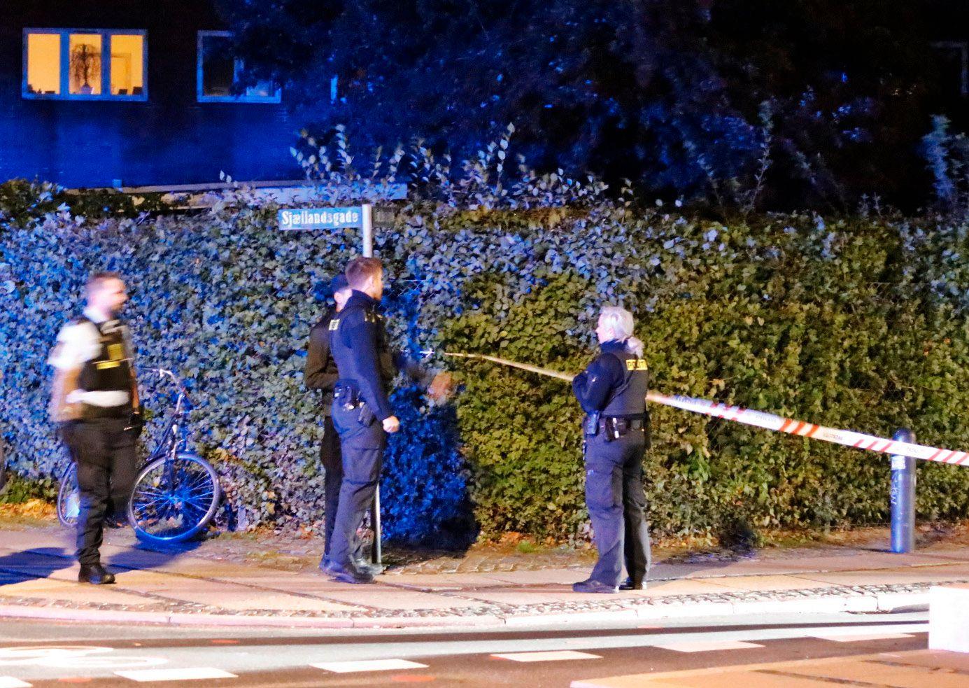 STORT POLITIOPPBUD: Politi og ambulanse rykket ut til skytingen i København der minst to personer er skadd.
