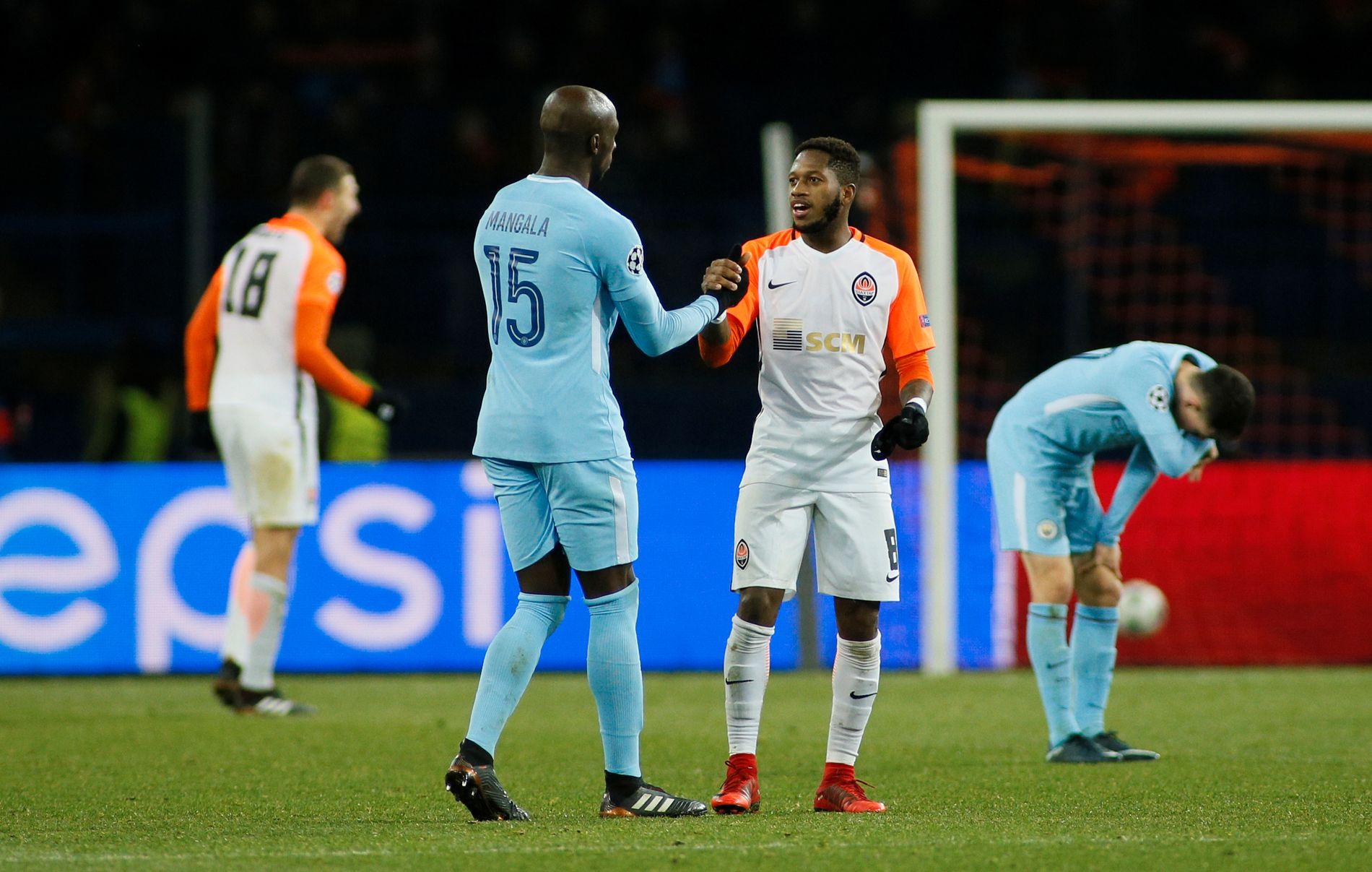 CITY-AKTUELL: Fred (t.h.), som her takket Manchester City-spiller Eliaquim Mangala for kampen i Champions League denne høsten, kan være på vei til de lyseblå.