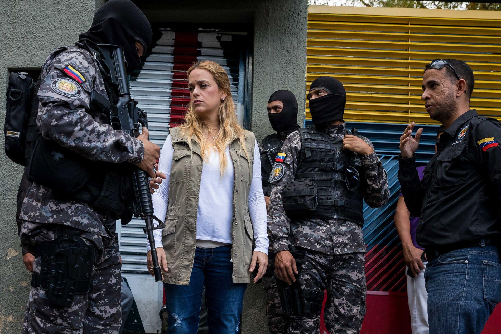 RAIDET HJEMMET: Lilian Tintori (bildet) er kona til den venezuelanske opposisjonspolitikeren Leopoldo López, som siden 2014 har vært fengslet eller sittet i husarrest. I mars stormet tungt bevæpnede sikkerhetsstyrker parets hjem i Caracas..