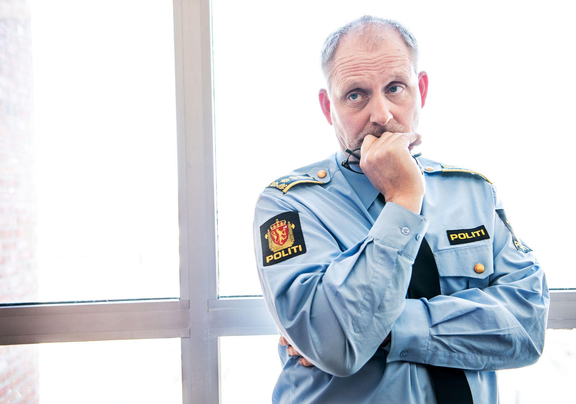 ETTERFORSKNINGSLEDER: Politiinspektør Tommy Brøske leder politiet jakt på hva som har skjedd med 68 år gamle Anne Elisabeth Hagen.