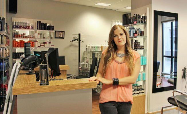 BLE BEFØLT: Som lærling fikk Randi Anette Enge (25) 120 kroner i tips fra en kunde som strøk henne på låret og ba henne «gjøre hva hun ville». Nå er hun daglig leder ved en frisørsalong i Trondheim.